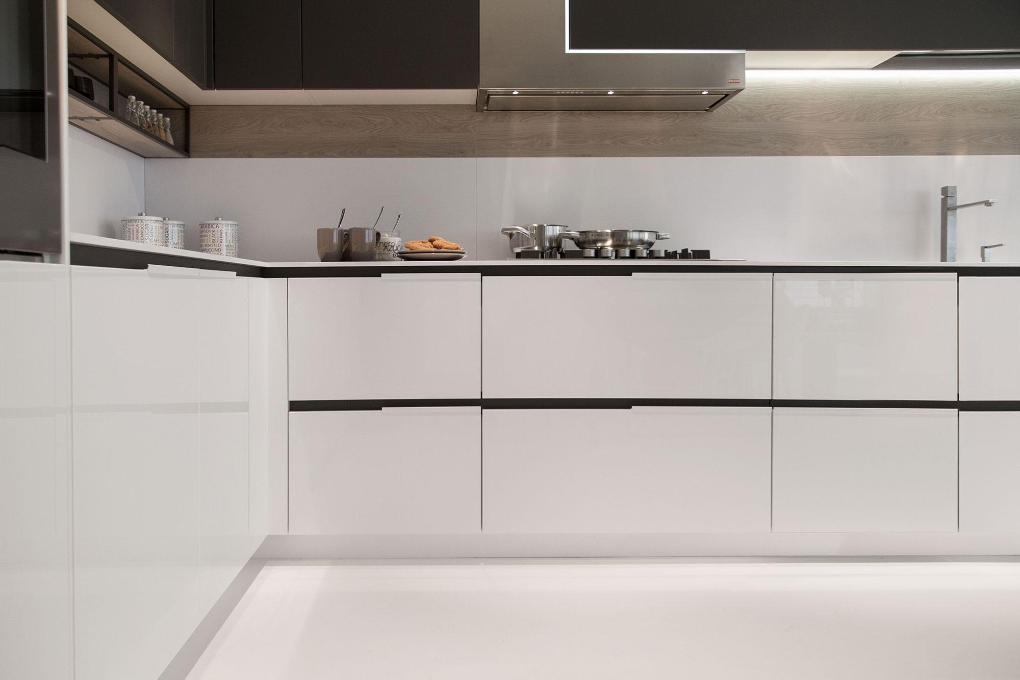cucina-Orange-Evolution-bianco-artico-17 – Priolo